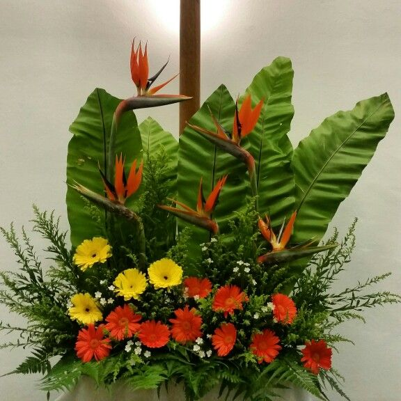 Church Altars Modern Flower Arrangement: Pin By Kee Fui Chin On EMCLC☆ Church Altar Flower