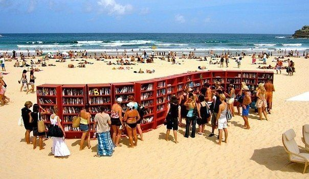 Пляжная библиотека в Италии / X-Style