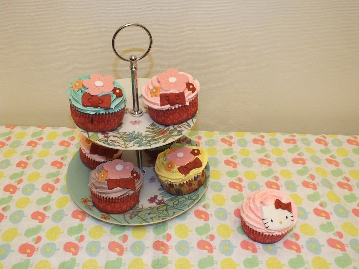 Hello Kitty cupcakes  - By Kitty Cupcakes