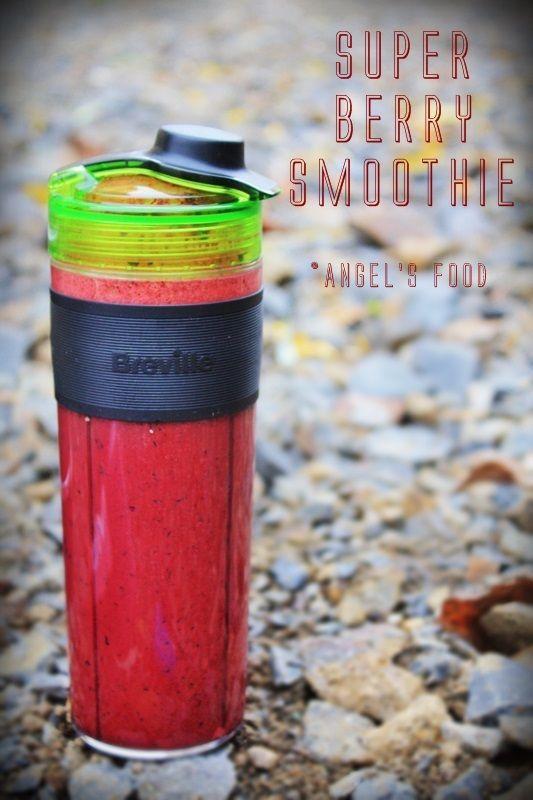 Super Berry Smoothie~Smoothie cu afine, zmeura si merisoare