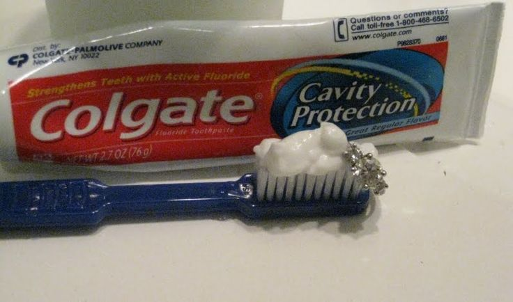 You can also clean your engagement ring and wedding ring using your toothbrush and of course, its partner – toothpaste. Make sure you use used toothbrush though.