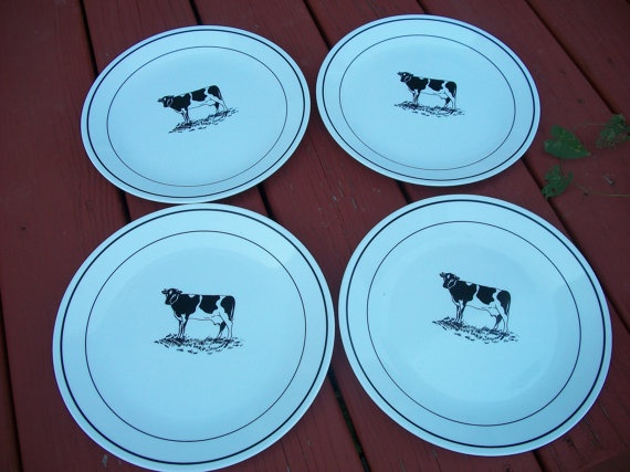Vintage Set of Corelle Wear Cow Plates Corning Ware by ARMonaco9 $15.00 & 155 best Cow Collectibles images on Pinterest | Cow Dishes and Cows