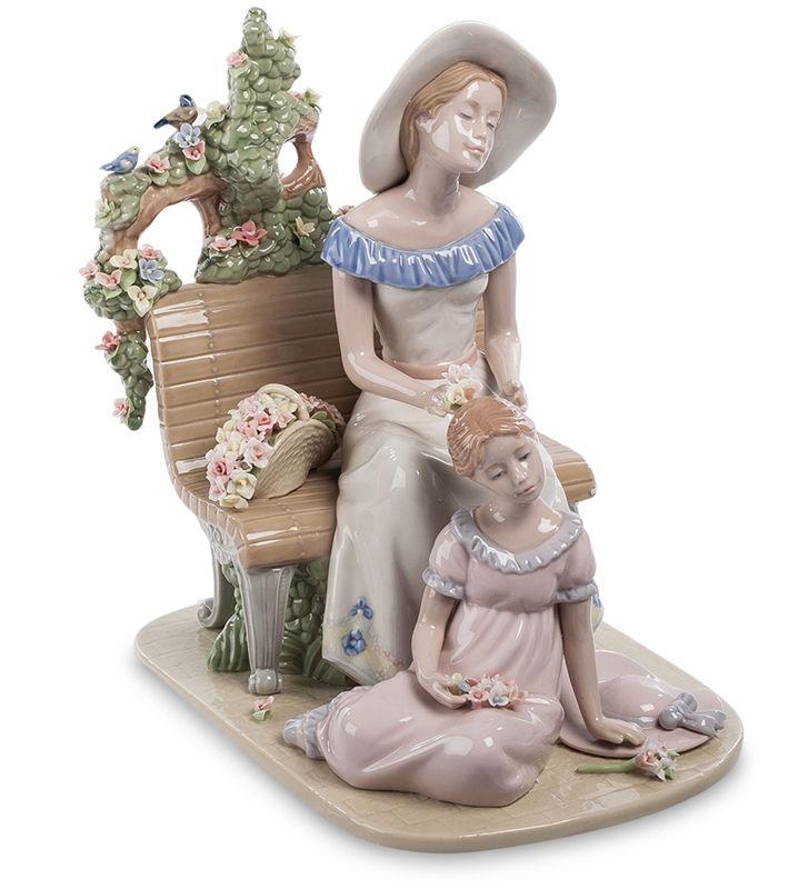 """Фигурка из фарфора """"Мать с дочерью"""" CMS-20/16 (Pavone)   Бренд: Pavone (Италия);      Страна производства: Китай;   Материал: фарфор;   Длина: 18,5 см;   Ширина: 26 см;   Высота: 26,5 см;   Вес: 2,55 кг;      #фарфор #девушка #девочка"""