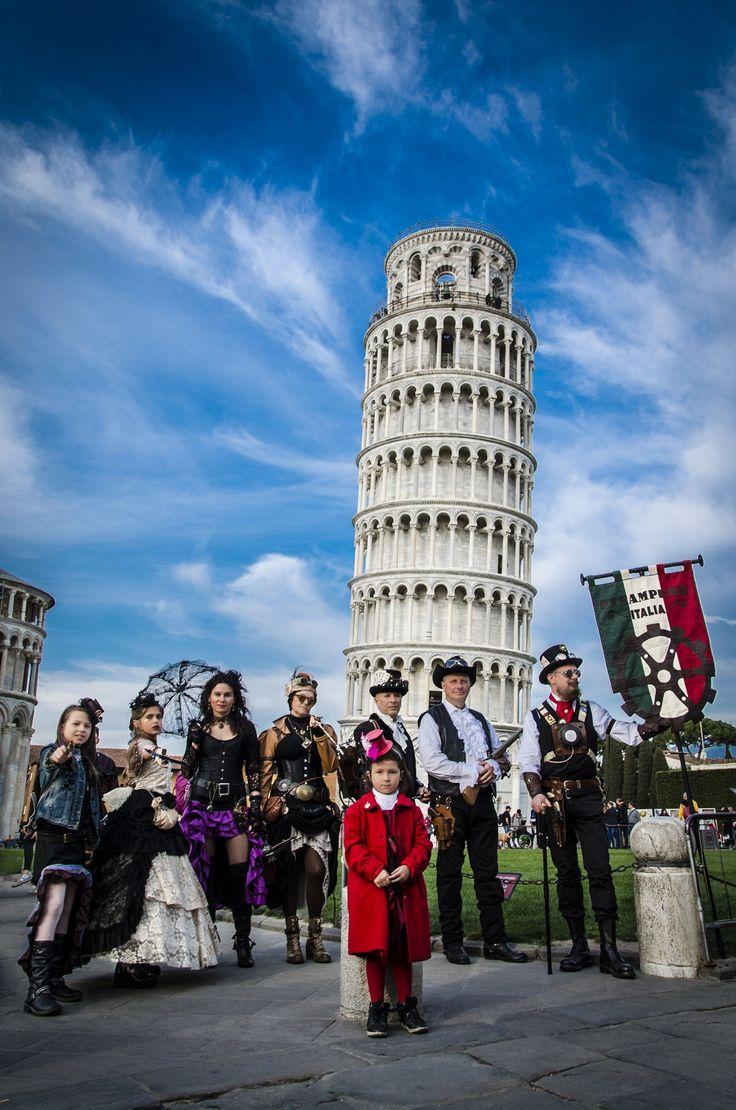 23-25 giugno 2017 alla Cittadella Galileiana a Pisa Steamcon, la prima convention internazionale dedicata allo Steampunk Autori cult, fumettisti, scienziati ed esperti di informatica riuniti sotto la Torre