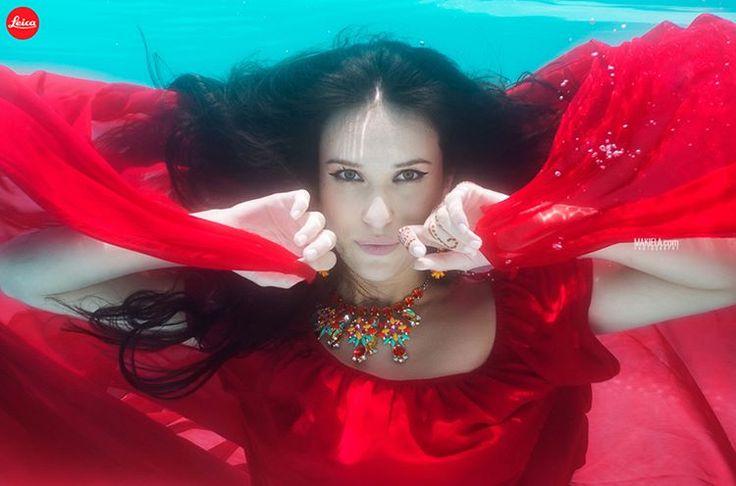 Underwater shoot for @Leica model Natalya Szoltysek #Dubai #Dubaiphotographer #photographerdubai #photographersdubai #underwater #makiela #Dubaiunderwaterphotography #underwaterphotography #underwaterphotographer #Dubaifashion #abayas #profesionalphotographer #Dubaifashionphotographer booking whatsapp +971567946469 www.makiela.com