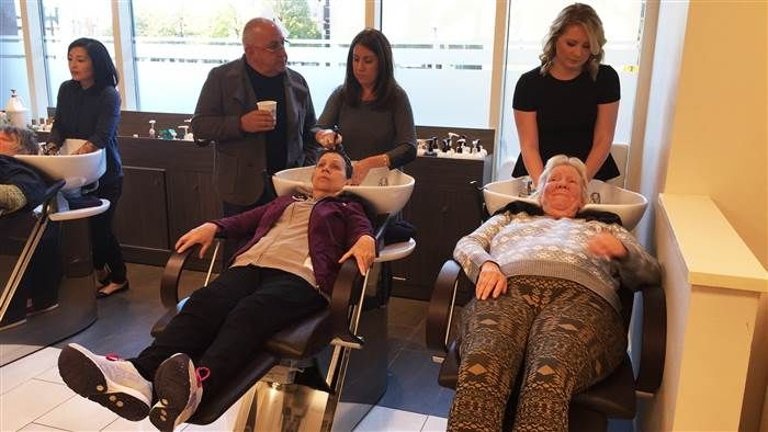 It's just easier to face the world when you're having a good hair day. The Green Tangerine Spa & Salon gives back to Women's Lunch Place by giving our guests free haircuts.
