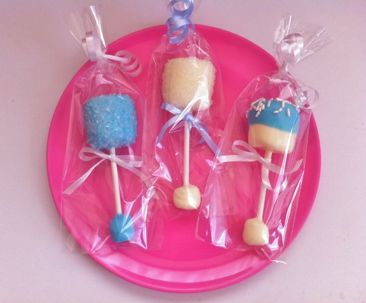 Baby Rattle Pops (Apron Strings Baking): Very cute edible favor for any baby shower theme