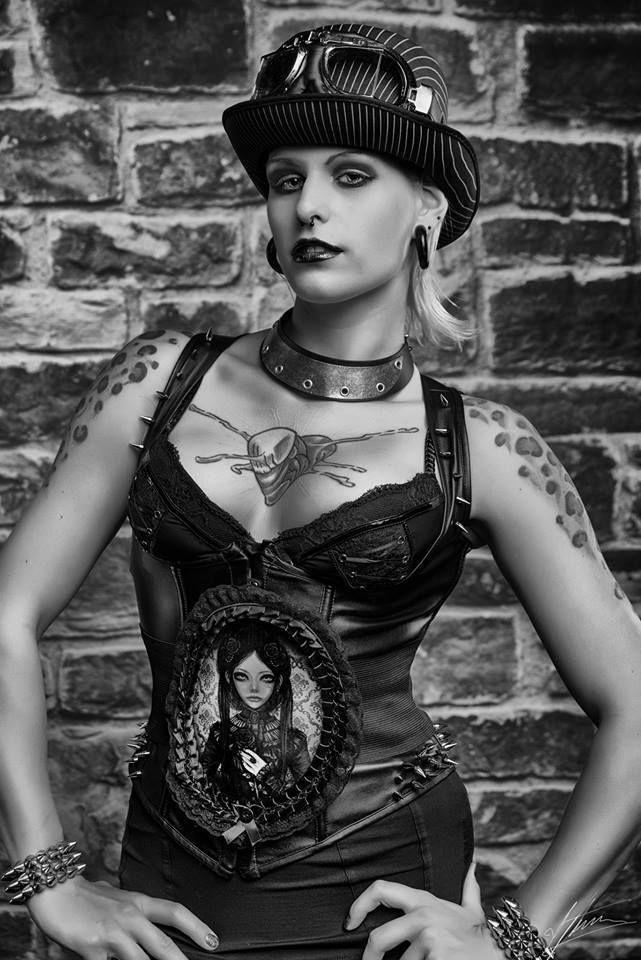 Gothic Taillengürtel  Lolita grey doll cyber Stretchgürtel Cameo Motiv victorian