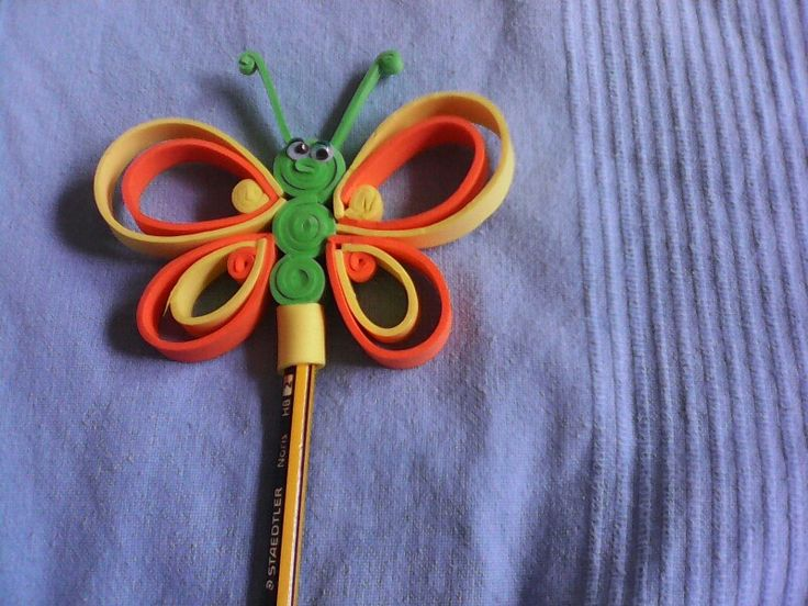 Mariposa en goma eva para lapiz