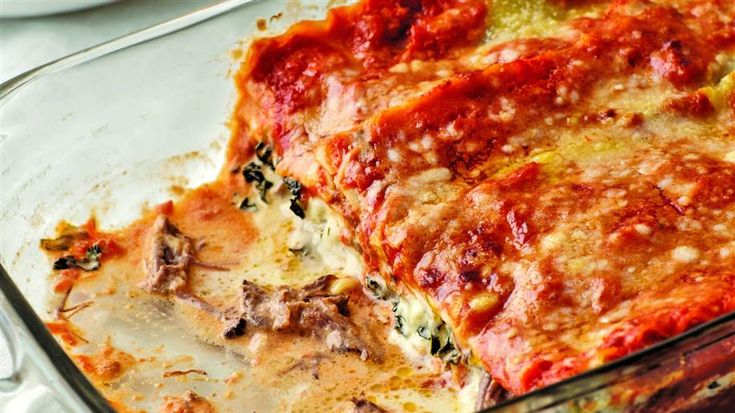 This rich and cheesy short rib lasagna is the pasta dinner of our dreams