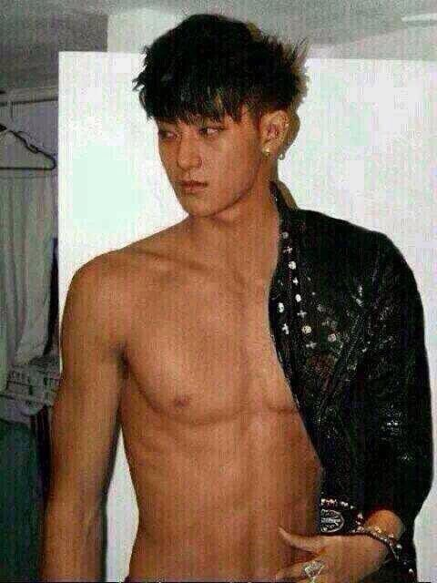 Shirtless Tao from EXO-M I AM GOING TO PASS OUT  HE IS PERFECTION   IS    Chen Shirtless