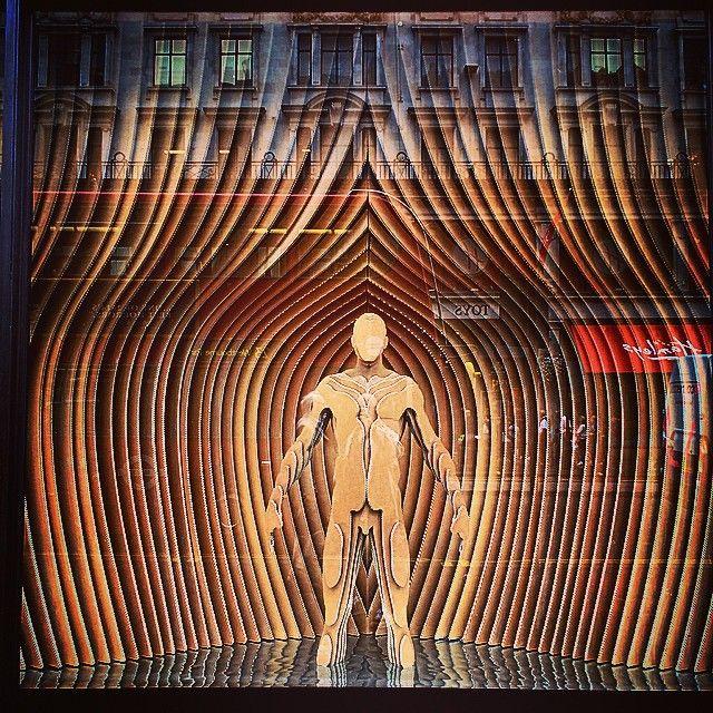 #RIBA windows #RegentSt #London - @drewmuntz