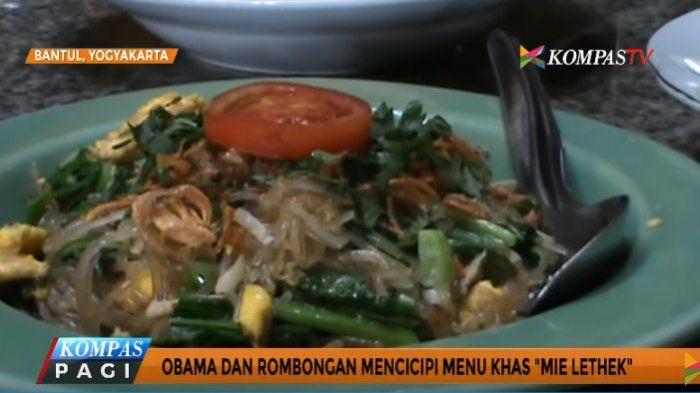 Selain mengunjungi candi dan museum di Yogyakarta, Barack Obama dan rombongan juga mencicipi menu tradisional mie lethek di rumah makan Bumi Langit. Seperti apa makanan khas Bantul ini?