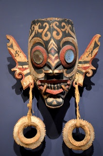 Yale University Art Gallery, Mask (Hudoq), Kayan or Kenyah, Indonesia, Borneo, 19th-20th Century, Wood with pigment and mirrored glass