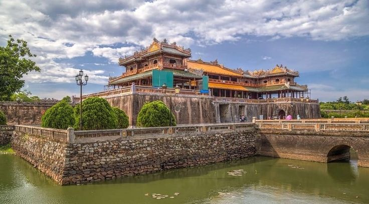 Top Vietnam Sightseeing Attractions -  Among Vietnam's most traditional cities, Hue is stuffed to the brim with relics from the reign of the 19th-century Nguyen emperors.