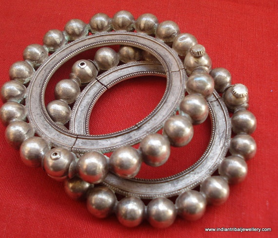 VINTAGE ANTIQUE GREAT DESIGN TRIBAL OLD SILVER HINGE BRACELET OR BANGLE PAIR (KAKAN) FROM RAJASTHAN INDIA. Silver guard bangles (Khatria or bangri gokru) with hollo balls perimeters. Worn by DANGEE and PATEL tribal people of Rajsthan.