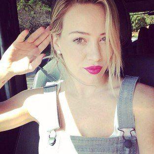 Hilary Duff: Twitter Selfies Reveal Shocking Hair Transformation
