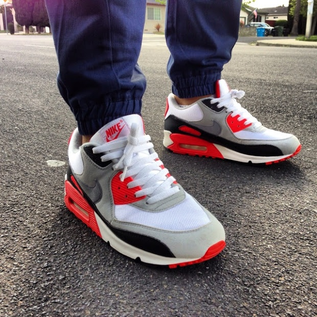 nike air max 90 hyperfuse blue red white horizontal stripe