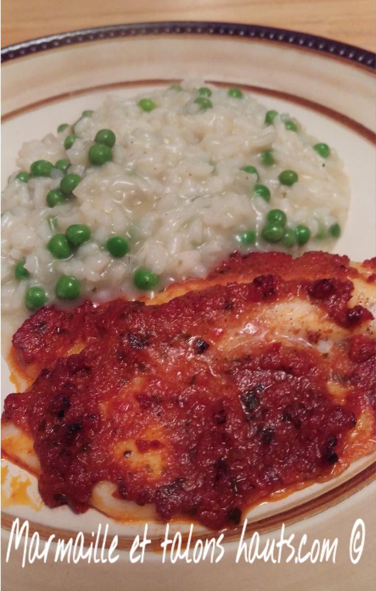 Faites changement.  Un filets de tilapia au pesto de tomates, cuit au four.  Un délicieux mariage de saveurs.  Trouvez le petit truc sur marmailleettalonshauts.com