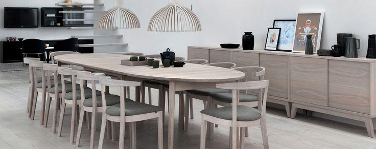 Flot spisebord med ellipseformet bordplade   plads til 6 16 ...