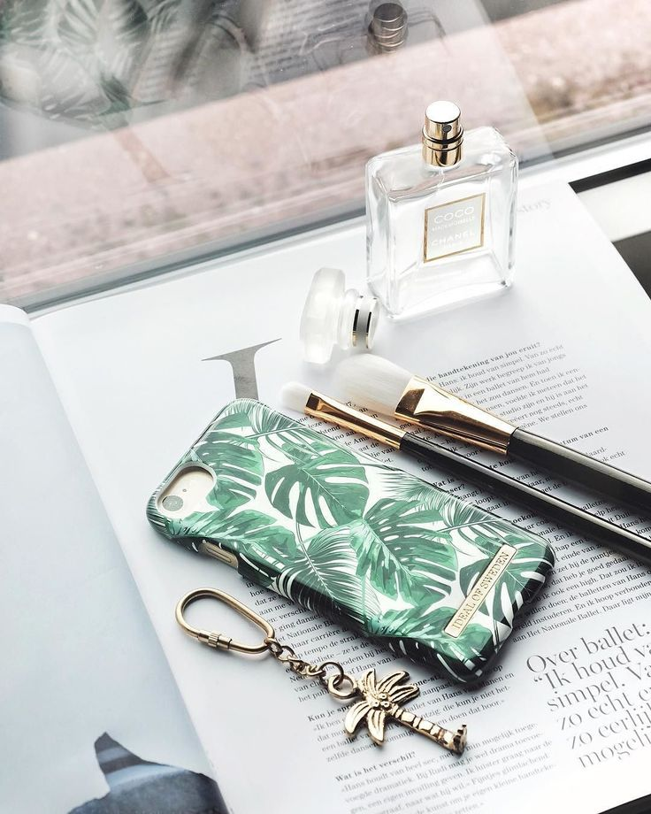 Monstera Jungle by lovely @sophieffee - Fashion case phone cases iphone inspiration iDeal of Sweden #Monstera #jungle #phonecase #gold #flatlay #details #green #växter #print