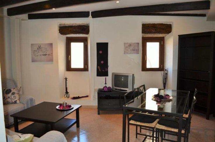 60m² 3-Zimmer-Wohnung mit Klimaanlage und kleinem Balkon: Wohnung in einem liebevoll restauriertem Dorfhaus in Moscari, zur Langzeitmiete ab sofort frei. Die Wohnung verfügt...