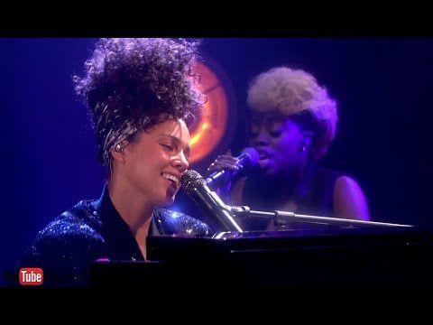 "Alicia Keys apresenta ""In Common"" em programa britânico #AliciaKeys, #Cantora, #Disco, #Humor, #M, #Noticias, #Novo, #NovoSingle, #Popzone, #Programa, #Show, #Single, #Youtube http://popzone.tv/2016/06/alicia-keys-apresenta-in-common-em-programa-britanico.html"