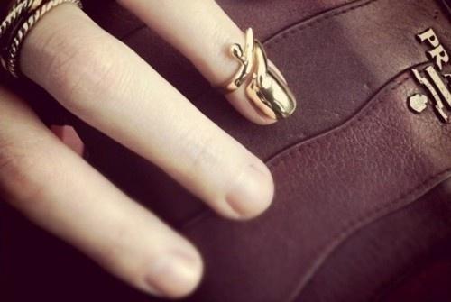 Nail Ring: Accessories Ideas, Nails Art, Nails Rings, Gold Nails, Fingernail Rings, Shorts Fingernail, Pretty Fingernail, Nails Jewelry, Fingers Nails