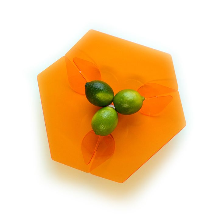 Because we all love orange. Trièdre by Tat Chao.