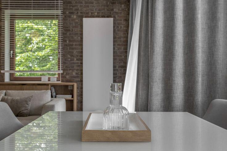 diningroom brick wall terma case