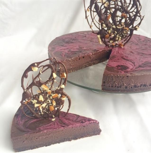 Dark Chocolate Cherry Cheesecake (Raw)  #rawvegan #vegan #wfpb #plantbased #glutenfree #cherry #chocolate #cheesecake