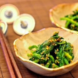 Blanched spinach with sesame dressing  - Japanese side dish (vegetarian)