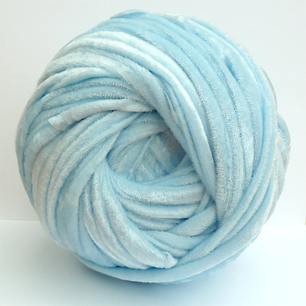 All of me: Making Super Chunky Yarn from Crushed Velvet Fabric
