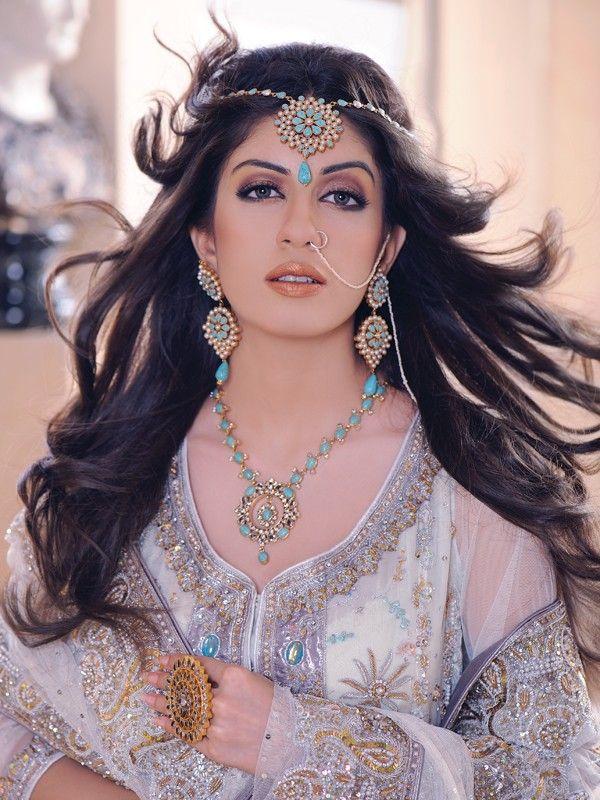 Beautiful dress and jewellery