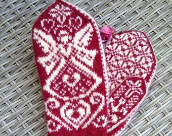 Handknitted woolmittens angel