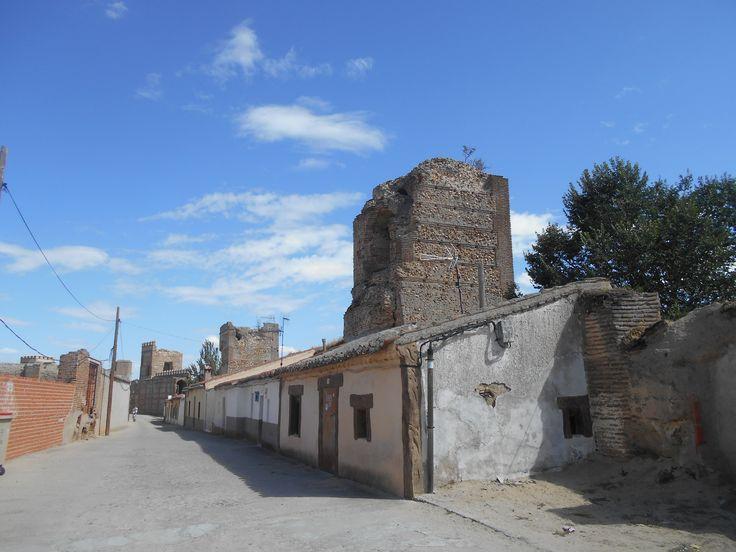 Ronda y torres entre Puerta de Peñaranda y Puerta de Arévalo.