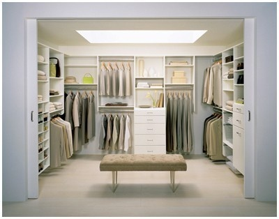 Walk in closet - I like the idea of putting a bench in the closet. I may have to put ours along the side so we don't trip over it.