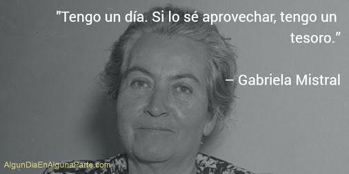 """El 7 de abril de 1889 #TalDíaComoHoy nació la escritora y diplomática chilena Gabriela Mistral, Premio Nobel de Literatura en 1945 y considerada una de las más grandes poetas del siglo XX. Aunque su nombre real fue Lucila Godoy Alcayaga, adoptó su seudónimo inspirada en la obra de Gabriel D'Annunzio y Fréderic Mistral. """"Desolación"""", """"Besos"""", """"Caricia"""", """"Canción amarga"""", """"Piececitos"""" y """"Dame la mano"""" son algunas de sus obras fundamentales. Falleció el 10 de enero de 1957."""