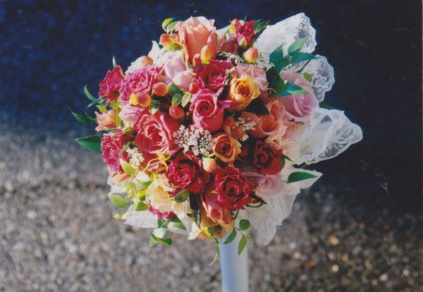Antique Lace Wedding Bouquet made by Kent Florist Mikiko Inoue