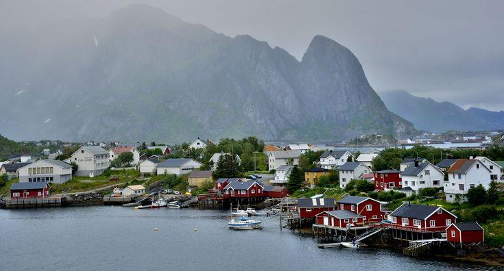 Viggo. Deze 17-daagse reis brengt je langs de fjorden, het National Park Jostedalsbreen, Joutunheimen, Bergen Bruggen en Flam Banen.