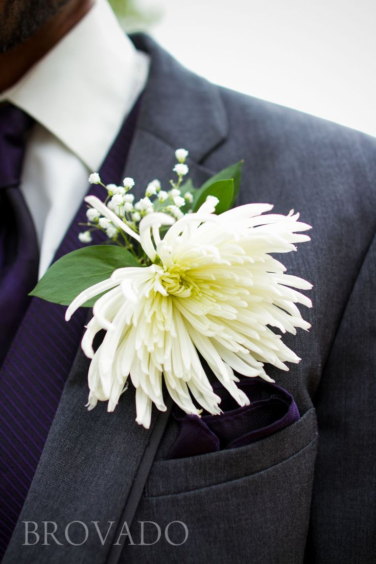 White Spider Mum Chrysanthemum wedding boutonniere for groom | St. Cloud, MN wedding photography