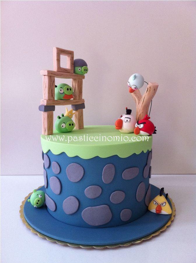 Angry Birds Cake — gorgeous! #cake #birthday #angry birds
