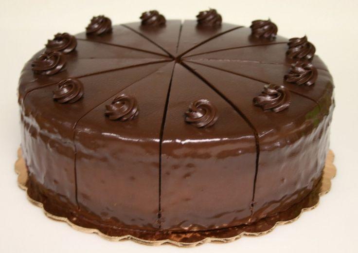 Торт «Шоколадное наслаждение»яйцо, 4 шт сахар, 1 ст мука, 4 ст.л. какао, 1 ст.л. ДЛЯ КРЕМА сметана, 0,5 л сахар, 1 ст какао, 1 ст.л. желатин, 2 ст.л. вода, 1/2 ст ДЛЯ ГЛАЗУРИ вода, 4 ст.л. какао, 4 ст.л. сливочное масло, 4 ст.л. сахар, 4 ст.л.