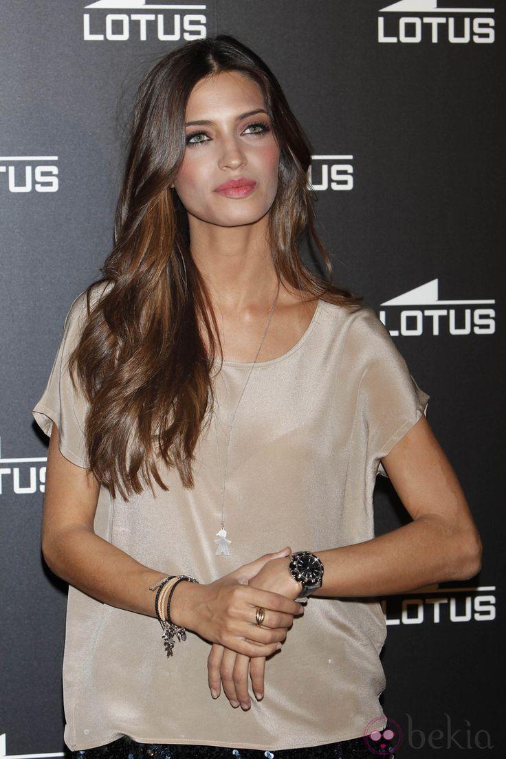 Sara Carbonero. Great hair and blush.