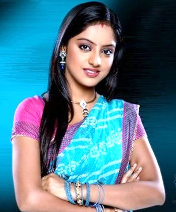 Deepika Singh says she is single but not willing to mingle!