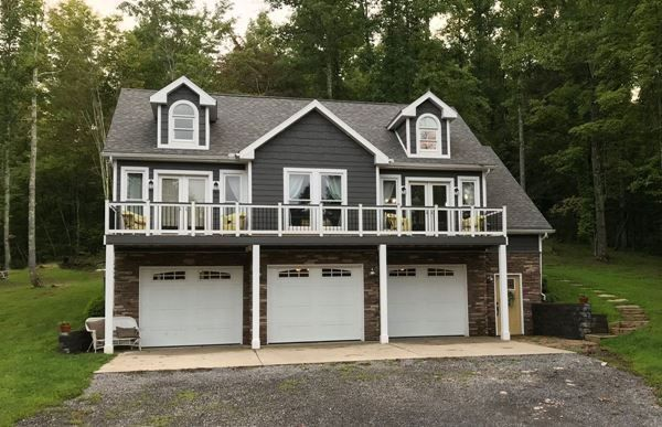 3 Car Detached Garage With 2 Bedroom Apartment Above Carriage House Plans Garage House Plans Garage Apartment Plans