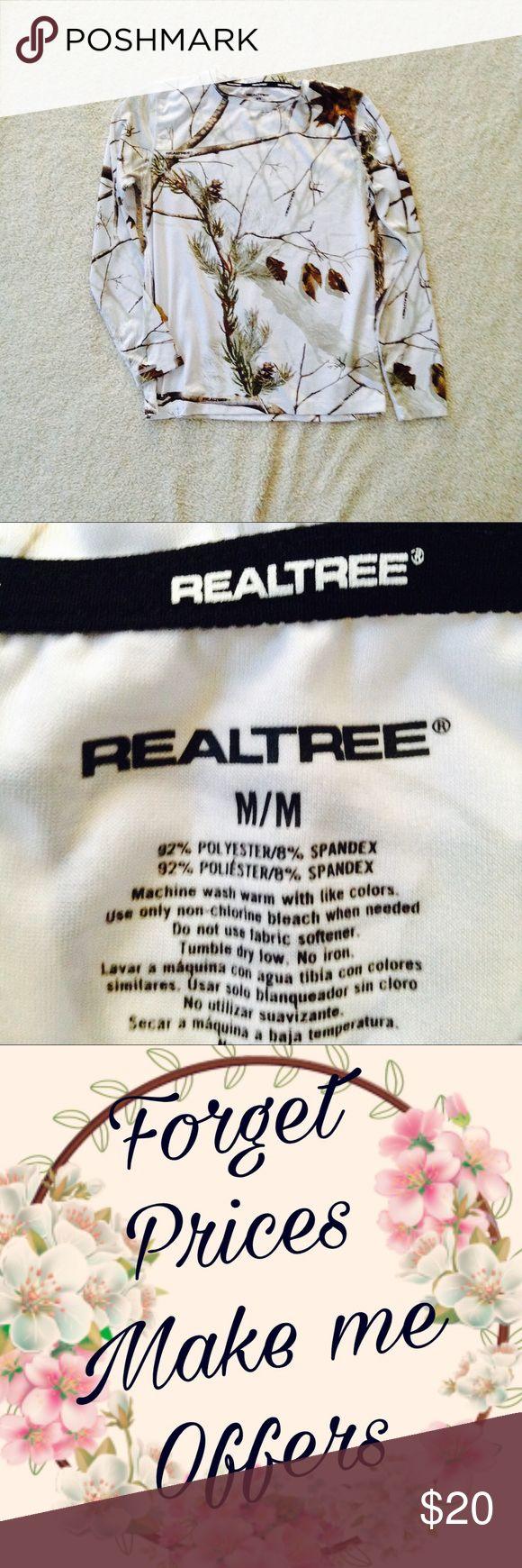 Real tree camouflage long sleeve shirt NWOT. Medium. M. 8-10. Realtree Tops Tees - Long Sleeve