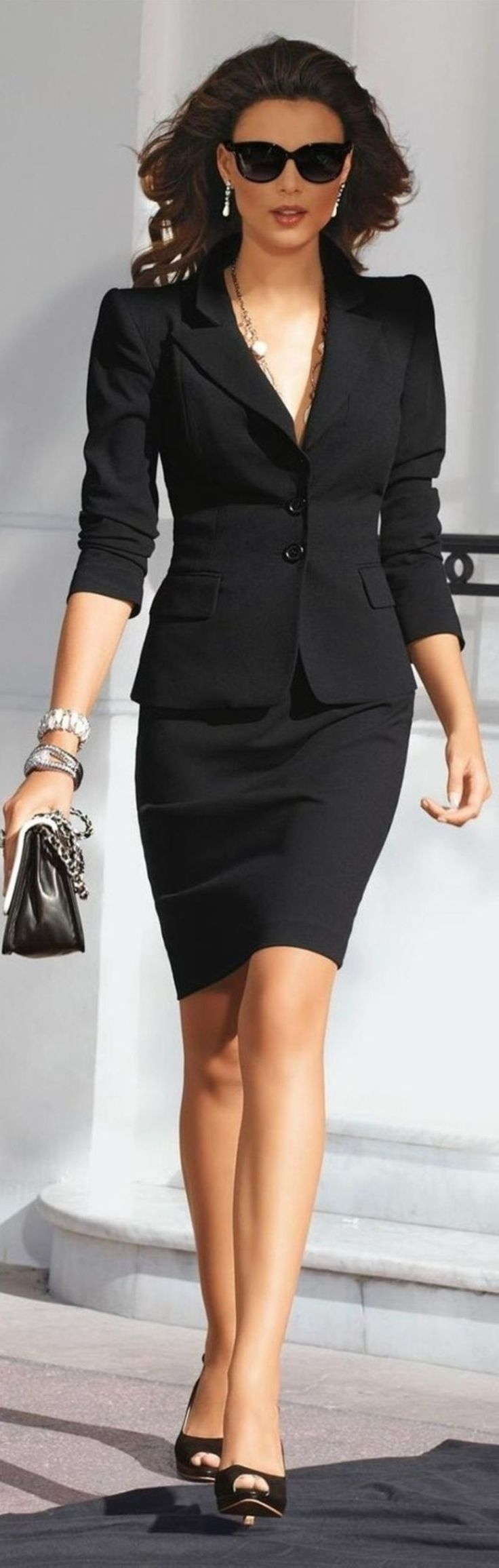 Stunning 41 Stylish Professional Interview Outfits for Women http://inspinre.com/2018/02/26/41-stylish-professional-interview-outfits-women/