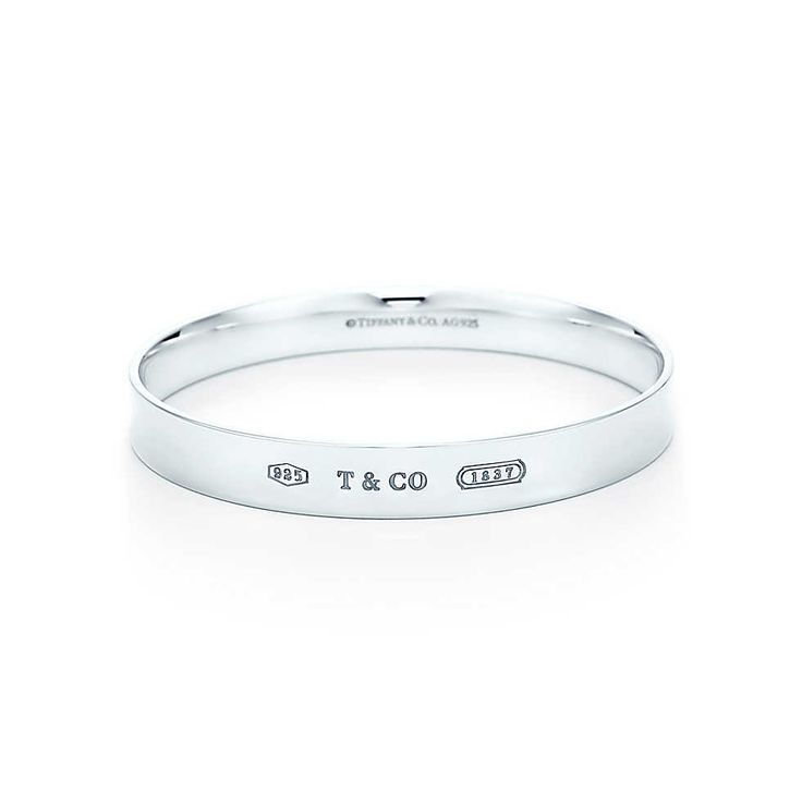 Tiffany 1837™ bangle in sterling silver.