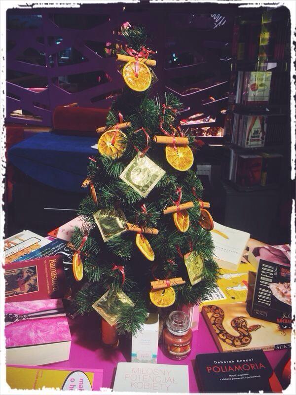 bezpieczna choinka :D  christmas funny decoration